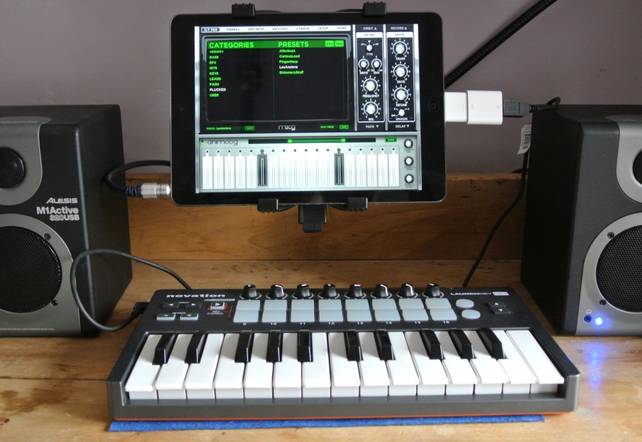 Connecting Midi Keyboard to iPad Air <div class=